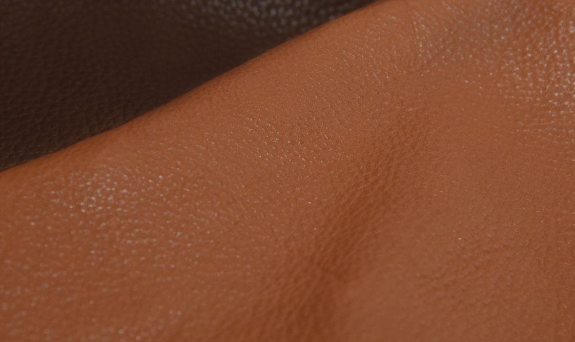 牛皮類的家具簡易可區分為三種皮革
